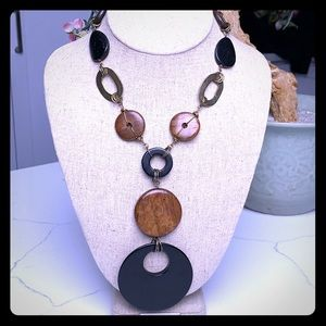 Jewelry - Vintage Wooden Statement Necklace